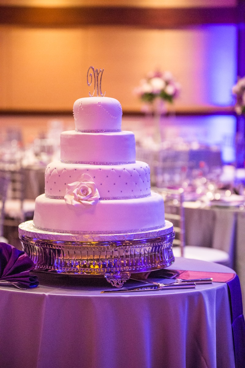 wedding cake at beechwood hotel in worcester ma